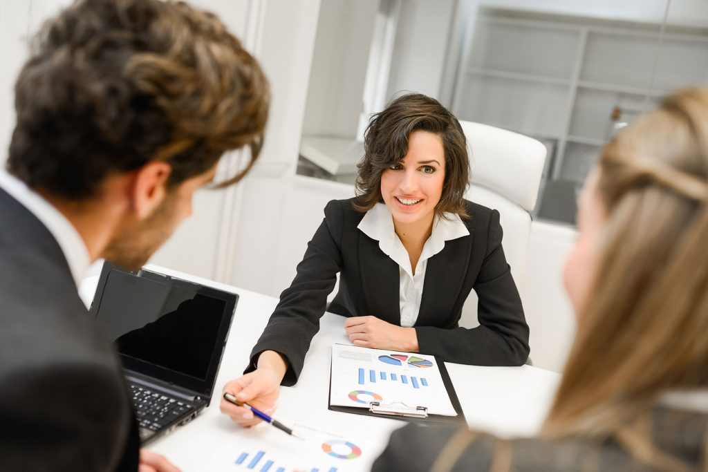 thinkstockphotos-469693837-2-woman-talking-to-clients