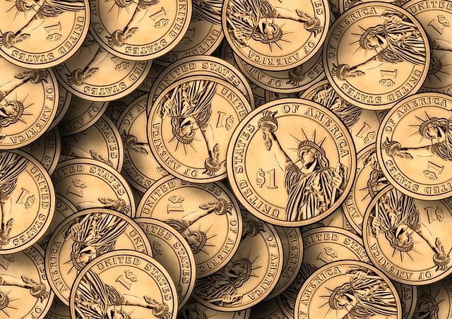 gold coins with statue of liberty